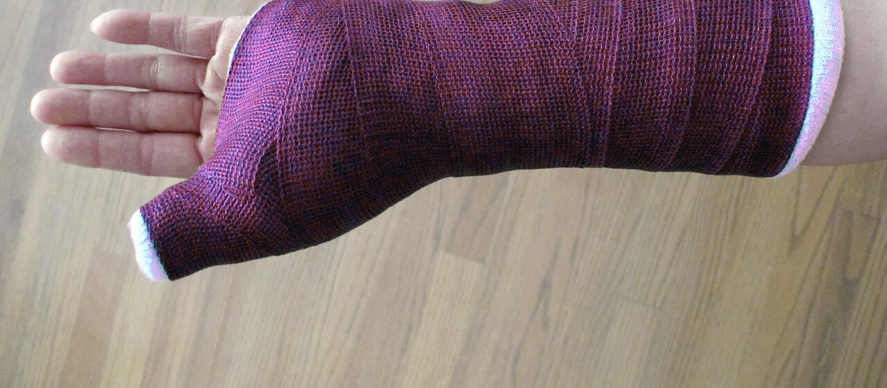 Nicole Fisch's broken thumb